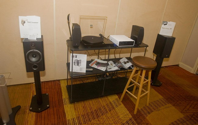 Focal speakers and pro-ject turntable